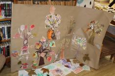 Knihovna - den stromů - výstava výtvarných děl dětí